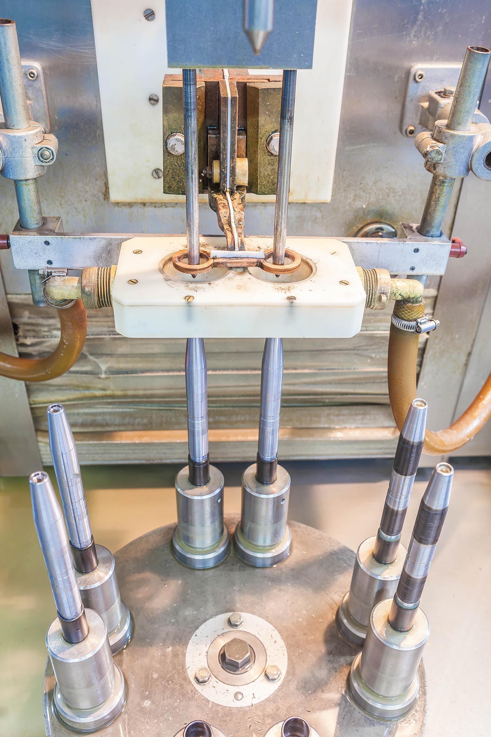 Vorgang Induktionshärten, Bewegung der Maschine, Step 1